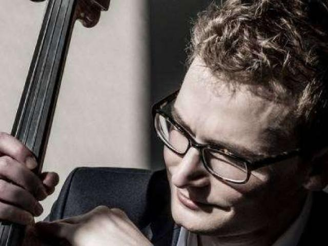 Alexander Hersh plays the cello